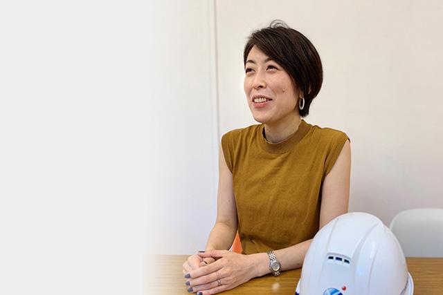 社員インタビュー:営業部 営業3課 HelNet運営統括責任者 井上千夏